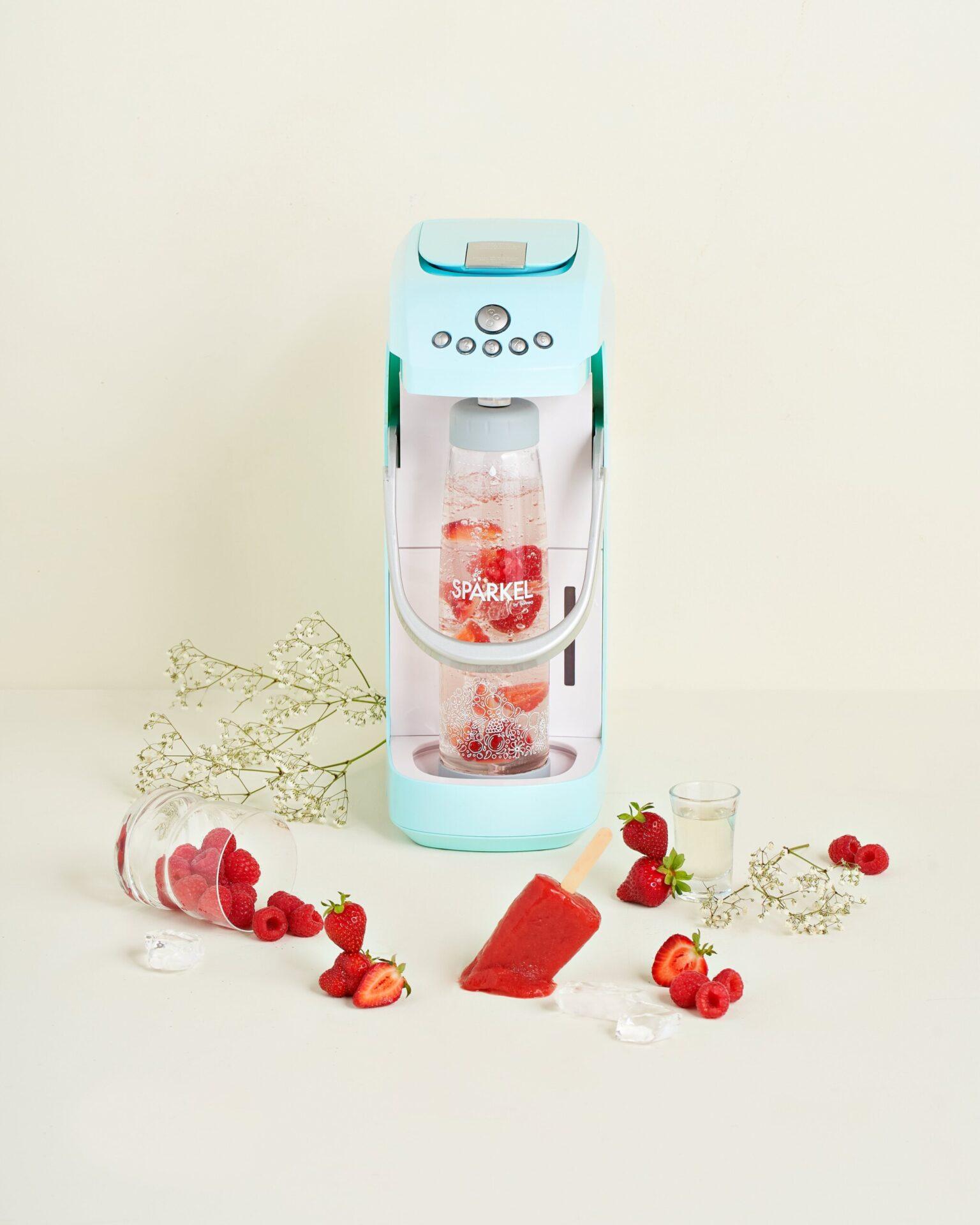 Boozy Strawberry Poptails